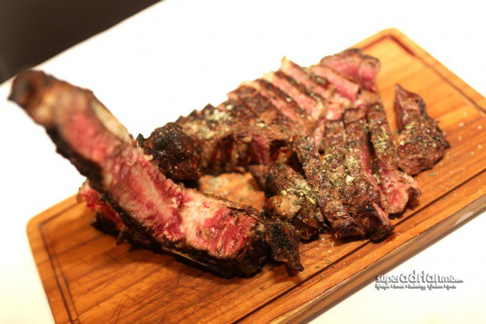 45 Days Dry-aged Corn-fed Traditional Fiorentina Steak
