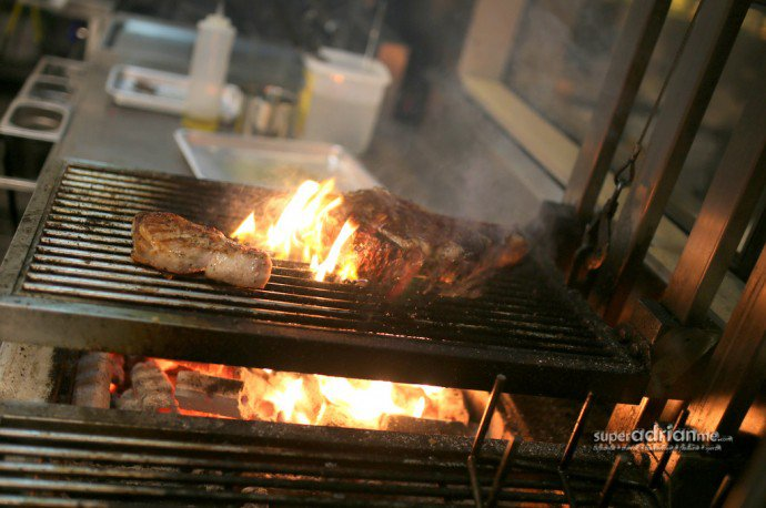 Beef grilled with Japanese charcoal