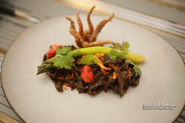 Squid Ink Taglierini with Calamari (S$26)